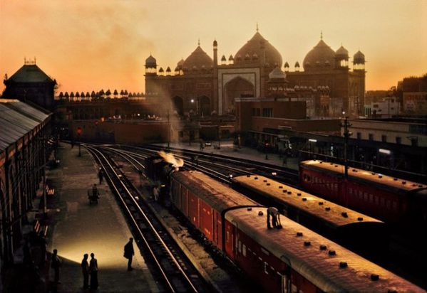 Trains-Steve-McCurry15-640x440.jpg