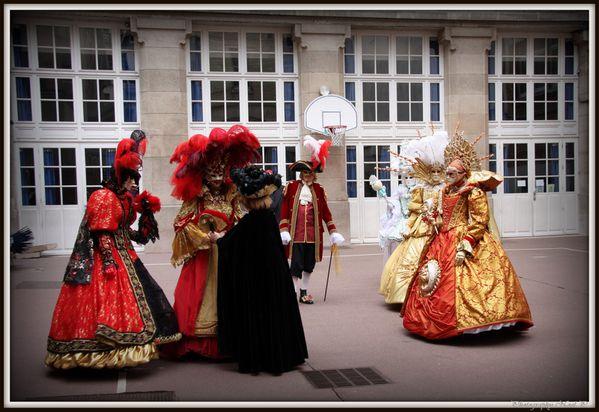 Carnaval Venitien à L ILE St Louis le 10 mars 2012 (108)