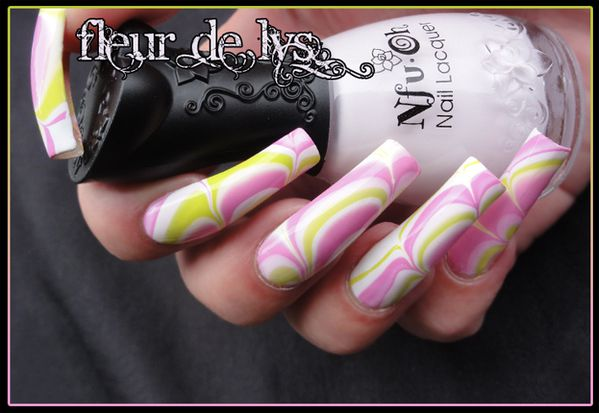 Nail Art fun water marble