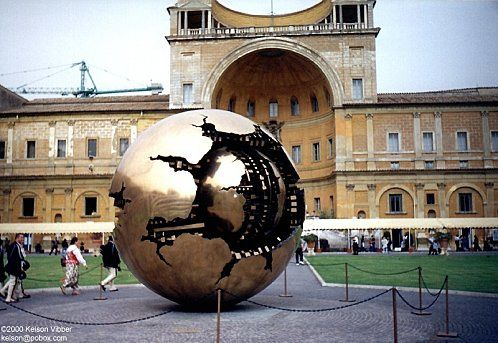 vaticano-the_world_arnaldo_pomodoro.jpg