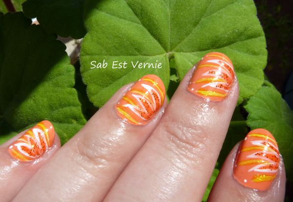 Nail-Art-Fleurs-Oranges-copie-1.jpg