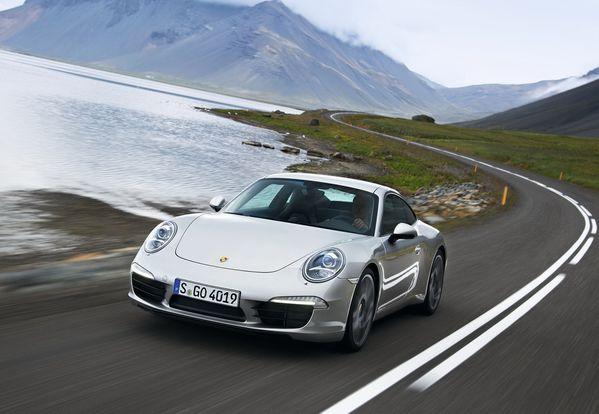 Porsche-911 Carrera S 2013