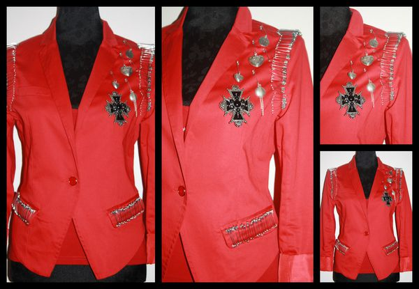 Veste-rouge-epingles-inspiration-Balmain.jpg