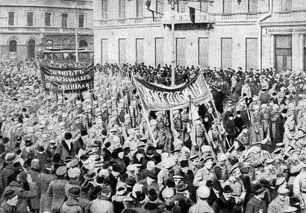 berckman--Manifestazione-di-soldati-a-Pietrogrado--febbraio.jpg