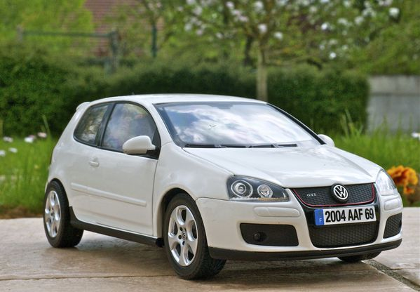 VW GOLF GTI COUPE BLANC NOREV03
