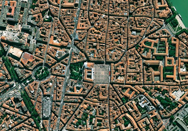 Satellite-Pleiades---Simulation-image---Toulouse-Capitole.png