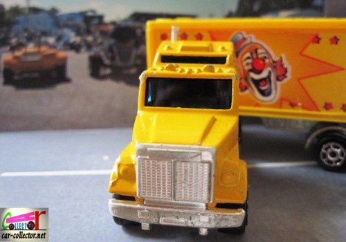 camion-cirque-pinder-majorette (3)