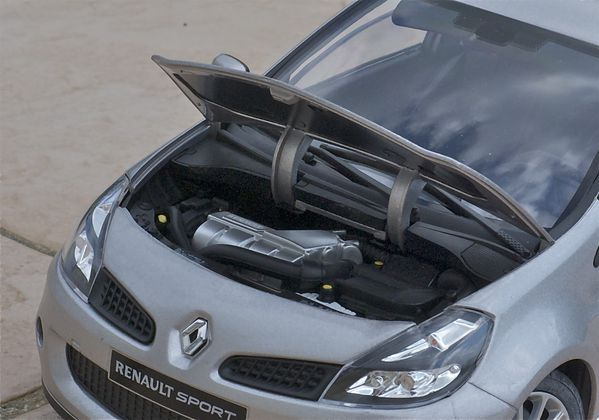 RENAULT CLIO RS3 COUPE GRIS SOLIDO12