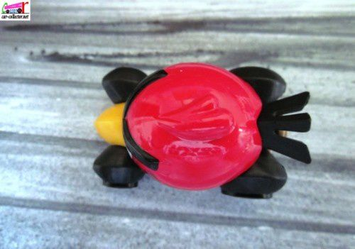 red-bird-angry-birds-imagination-2012.047-car-coll-copie-2