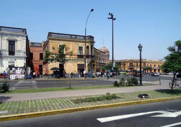 Lima-rue.jpg