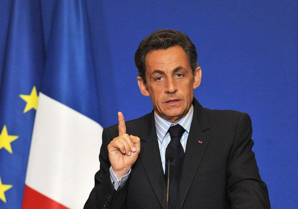 sarkozy-leve-le-doigt
