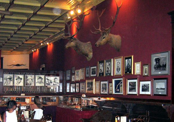 Prescott saloon intérieur
