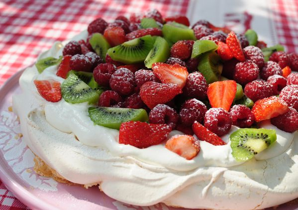 ... kerstin rodgers giant pavlova recipes dishmaps kerstin rodgers giant