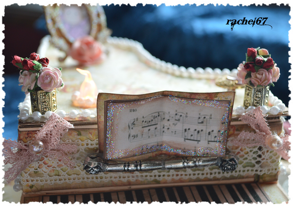 piano-detail-2.png