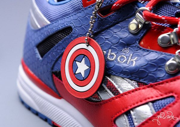 Sneaker Reebok X Marvel Captain America d&#xE9;tail