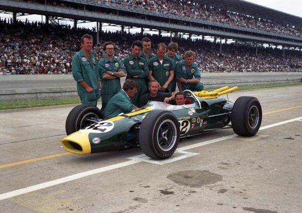 Lotus-Indy-500-Team-picture-1965-Low-Res-FOR-EDITORIAL-USE-.jpg