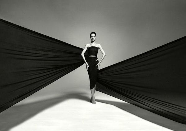 photo-Kevork-Kiledjian-Sabrina-Nait-never-ending-black-dres.jpg