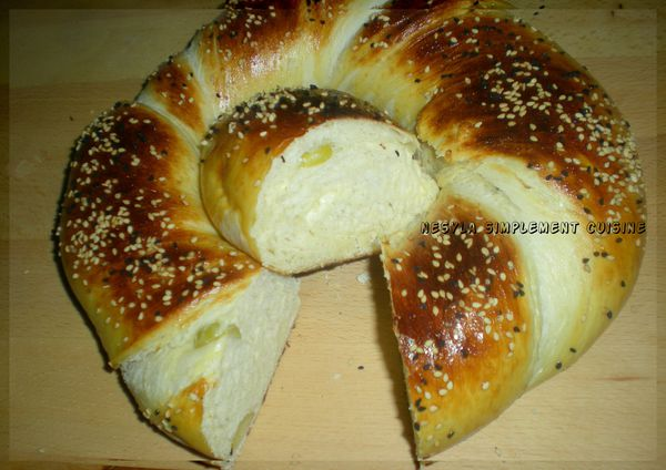 pain-brioche-fromage-olive.jpg