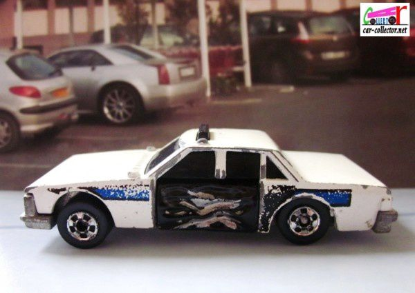 crash-patrol-police-hot-wheels-crackups (5)