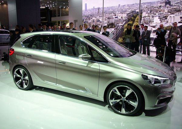 BMW Concept Active Tourer 08