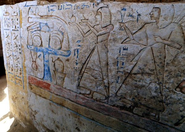 egypt_saqqara_new_tomb_discovered1.jpg