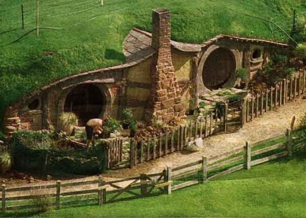Hobbit hole - Bag end - Film Le seigneur des anne-copie-1
