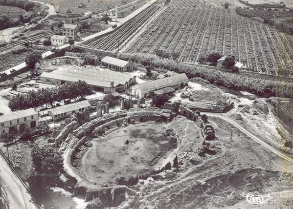 L'amphithéâtre de FREJUS Frejus-1