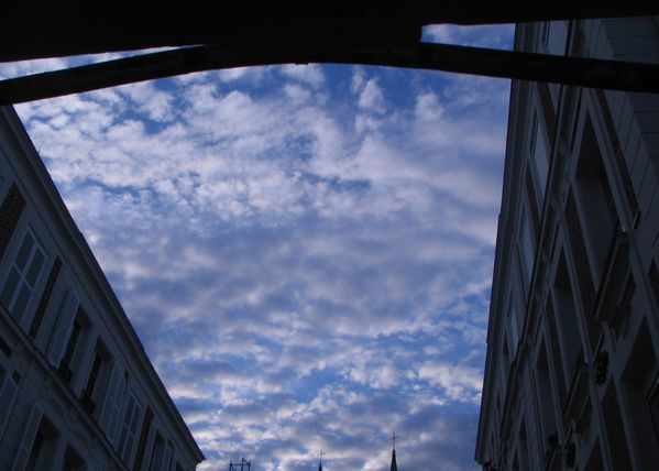 sky_with_clouds_002.JPG