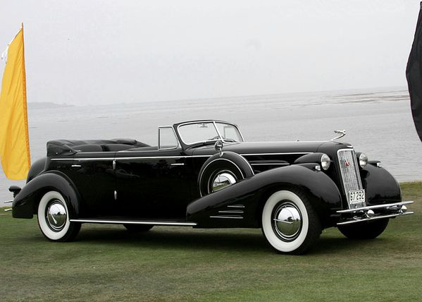2642_cadillac_452d_v16_fleetwood_convertible_sedan_1934_03.jpg