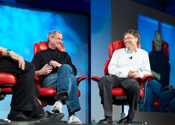 800px-Steve_Jobs_and_Bill_Gates_-522695099-.jpg
