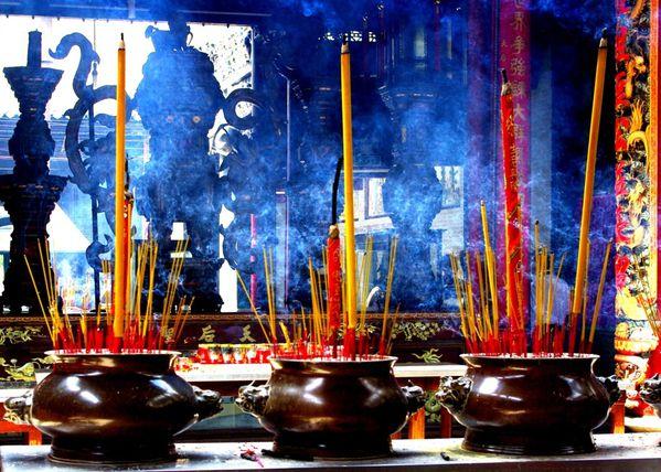 17 Vietnam… Saigon… Temple Thien Hau