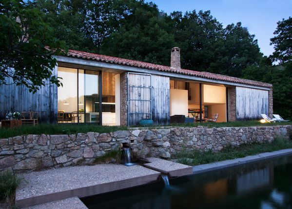 dezeen Off-Grid-Home-in-Extremadura-by-Abaton ss 2