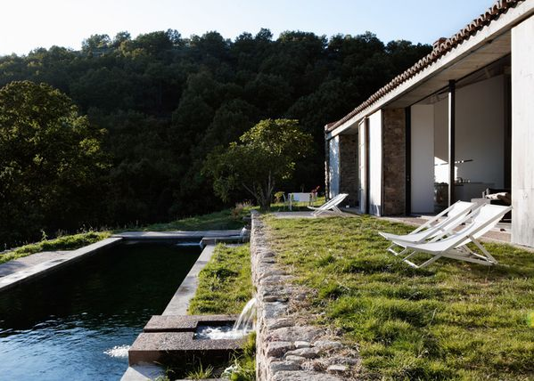 dezeen Off-Grid-Home-in-Extremadura-by-Abaton ss 6