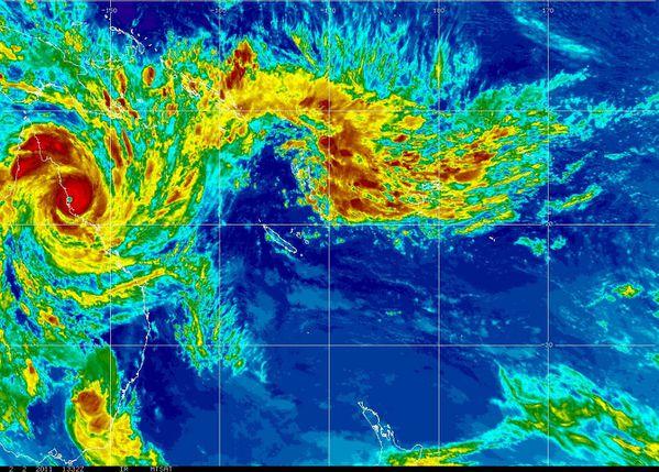 Yasi---MTSAT---02-02-2011-13h32-UTC.jpg