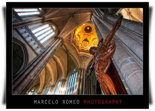 Jesus-Crucifie--photo-Marcelo-Romeo--parousie.over-blog.f.jpg