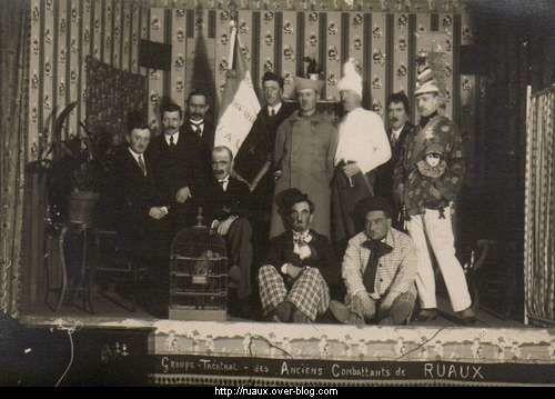 CPA-Anciens-Combattants-de-Ruaux-1914-1918.jpg