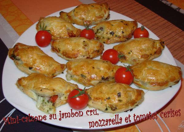 mini calzone au jambon cru mozzarella et tomates cerises on nem on riz. Black Bedroom Furniture Sets. Home Design Ideas