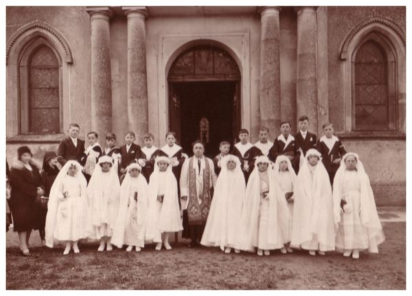 communion1931-abbe-Bellamy.jpg