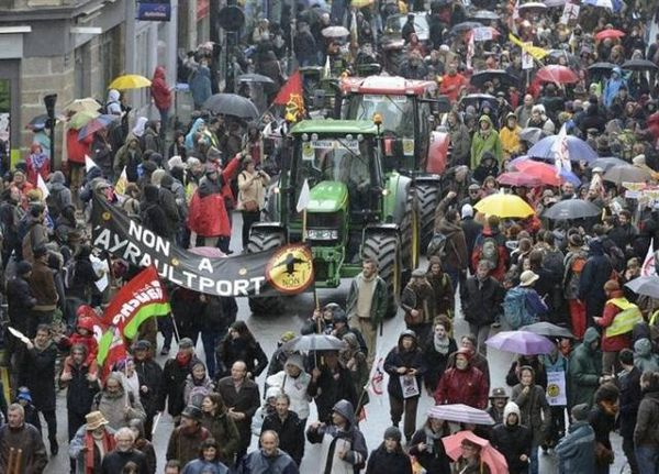 Manifestation-contre-l-aeroport-a-Nantes.jpg
