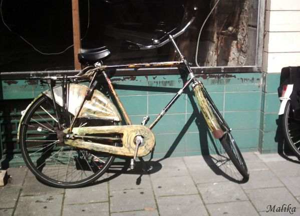 A-bicyclette-2-roues-.JPG