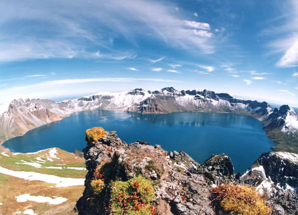 Beaktu---heaven-lake---wiki.jpg