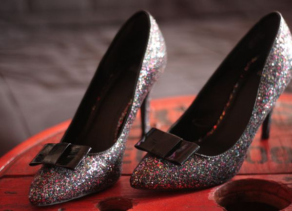 Soldes-H-M----noeuds-amovibles-chaussures---escarpins-a-pa.jpg