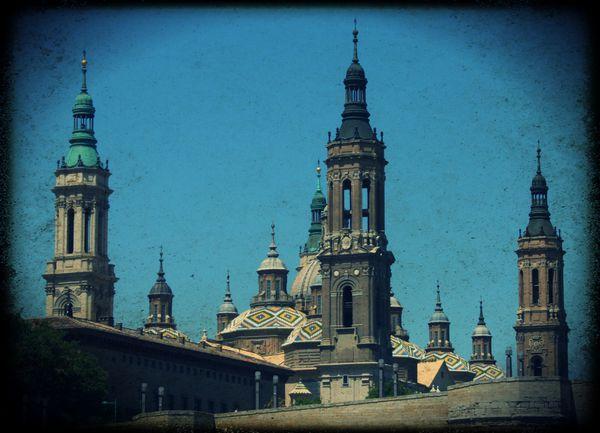 tour-de-la-basilique---Zaragoza.jpg