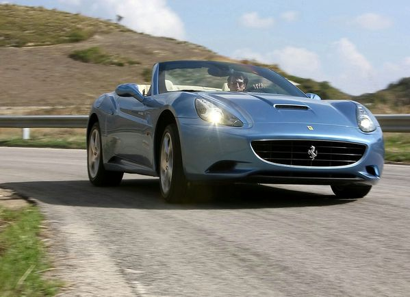 ferrari_california_2009_107.jpg
