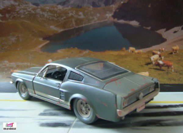ford mustang 67 old friends maisto (7)