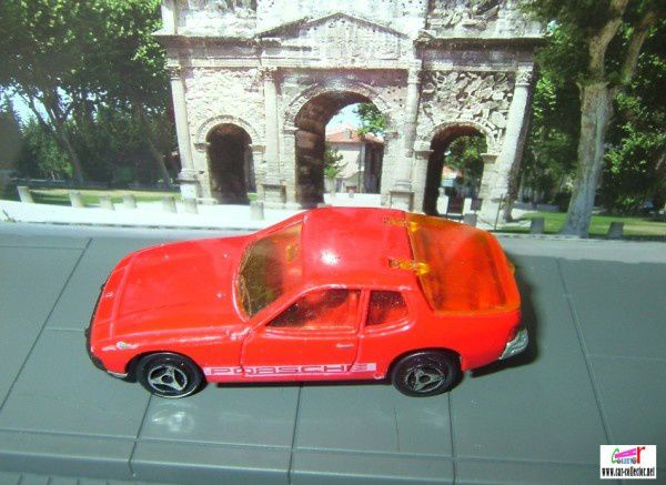 porsche 924 majorette n°247 rouge red
