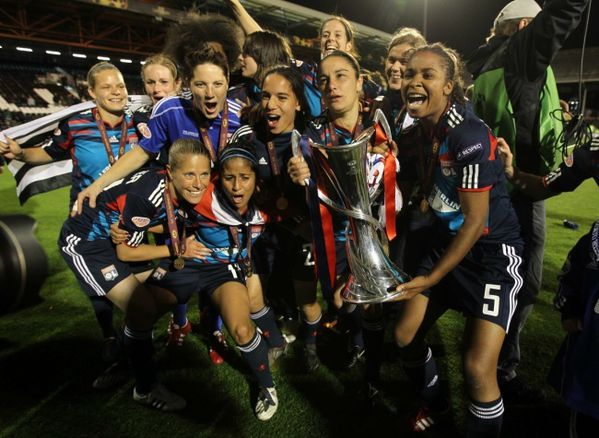 foot feminin OL championnes Europe 1