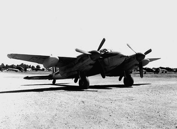 Photo 18 Mosquito Meknes 1949 dr phph