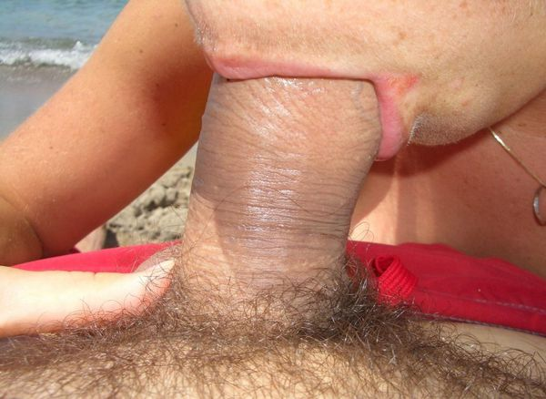 beach-blowjob-amateur-set-12289419381314271145