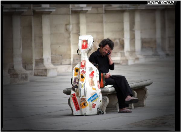 musician on the phone